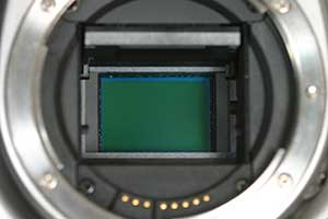 how to clean dust off dslr sensor